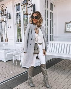 Karina Style Diaries wearing white and grey outfit Tamara Mellon slouchy boot Classy Outfits, Chic Outfits, Fashion Outfits, Fashion Blogs, Girl Fashion, Fashion Trends, Classy And Fab, Slouchy Boots, Business Outfits