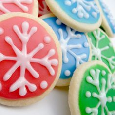 colorful snowflake cookies.....