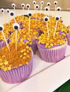 party budgeting Tamatoa Cupcakes for Moana Themed Party Moana Birthday Party Theme, Moana Themed Party, Moana Party, Luau Birthday, 3rd Birthday Parties, Birthday Ideas, Moana Birthday Cakes, Moana Theme Cake, Moana Birthday Decorations