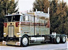 Ideas Big Truck Peterbilt For 2020 Big Rig Trucks, New Trucks, Custom Trucks, Cool Trucks, Fire Trucks, Pickup Trucks, Custom Big Rigs, Cab Over, Trucks And Girls