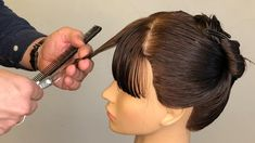Hair Cutting Videos, Hair Cutting Techniques, Hair Videos, Makeup Videos, Haircuts For Medium Hair, Short Layered Haircuts, Hair Color Swatches, How To Cut Bangs, Long Hair Cuts