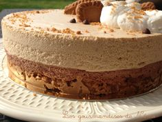 entremet avec craquant speculoos, mousse au chocolat et mousse aux speculoos Mousse Dessert, Mousse Cake, Thermomix Desserts, No Cook Desserts, Healthy Dessert Recipes, Easy Cheesecake Recipes, Cheesecake Bites, Chocolate Cheesecake, Pumpkin Cheesecake