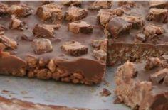 Τραγανό γλυκό ψυγείου με σοκολάτα Mars με 4 υλικά