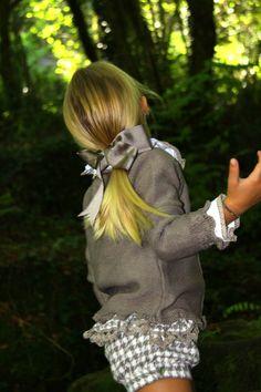 Gansetes …shared by Vivikene Little Girl Outfits, Little Girl Fashion, Boy Fashion, Kids Outfits, Blue Nose Friends, Girl Closet, Stylish Baby, Girl Falling, Kid Styles