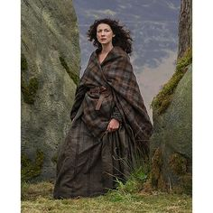 Just like the earasaid (arisaid) worn in OUTLANDER The Series! This is the same tartan, woven by the same weaver in Scotland, of OUTLANDER The Series.