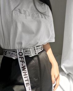 Off White Belt Outfit Gallery Off White Belt Outfit. Here is Off White Belt Outfit Gallery for you. Off White Belt Outfit grohandel off white grtel mnner verlngern lange lange Fashion Week, Look Fashion, Korean Fashion, Off White Fashion, Street Fashion, Mode Outfits, Fashion Outfits, Ropa Hip Hop, 1million Dance Studio