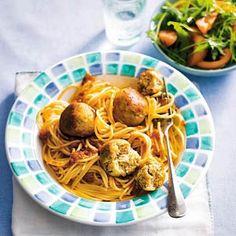Italiaanse tonijnballetjes Gnocchi, Spaghetti, Veggies, Pasta, Chicken, Meat, Ethnic Recipes, Food, Lasagna