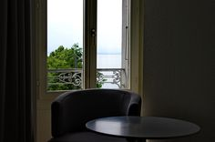 Rouvenaz - Sessel Das Hotel, Windows, Armchair, Window, Ramen