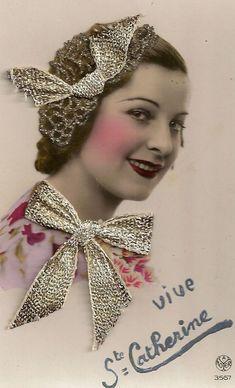 Image Halloween, Sainte Catherine, Decoupage, Image Nature, Art Populaire, Images Vintage, Vintage Photography, Vintage Ladies, Postcards
