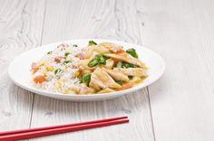 Dieta del riso: riso bollito con pollo e verdure