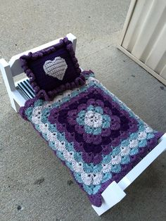 Beautiful shells blanket - Free Pattern adorable for a doll bed