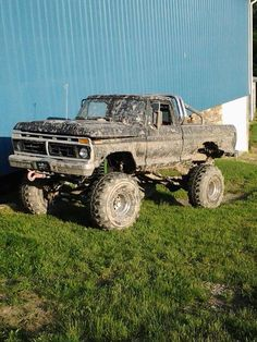 Oh lord have mercy! Best sight in the world, a muddy 'ol Ford.