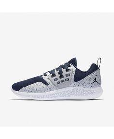 buy popular 2d9ba 70dd5 Jordan Grind RE2PECT Men s Running Shoe College Navy Wolf Grey White  College Navy AA4302-402