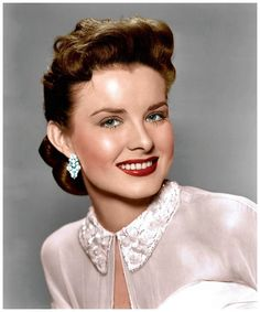 A beautiful colour portrait of American actress Jean Peters. #vintage #1950s #actresses
