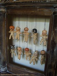 Ornament Theater by Fantastical World of Holidays, via Flickr