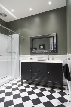 Black and white Tiles - refurbished vanity with white stone top , by Candlewick Interior Decorators Melbourne, picture by Trends