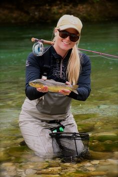 Lotte Aulom Ladies from around the world love to fly fish. It's always good to see additional beauty added to pretty country. Fly Fishing Girls, Gone Fishing, Fishing T Shirts, Best Fishing, Canvas Mobile, Fishing Photos, Brown Trout, Fishing Outfits, Trout Fishing