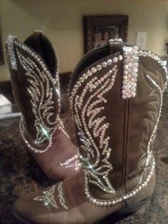 fun for National Finals Rodeo in Vegas ~ rhinestone boots by Marilyn Western Wear, Western Boots, Western Cowboy, Western Style, Ugg Boots, Shoe Boots, Boot Scootin Boogie, Cowboy Up, Cowboy Baby