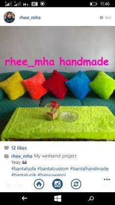 Sofa pillow, material rasfur, uk 35x35 Rp.300.000