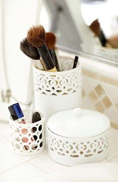 how to organize your beauty products Where to buy Real Techniques brushes -$10 http://darkorange.clipsharedemo.com/video/1742/Real-techniques-turtorial-$10 #cleanmakeupbrushes #makeupbrushescleaning #makeup #makeupbrushes