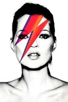 Kate Moss portraying Bowie's Aladdin Sane for Vogue UK. May Photo by Nick Knight Vogue Vintage, Vintage Vogue Covers, Vintage Mode, Vintage Fashion, Vogue Magazine Covers, Fashion Magazine Cover, Fashion Cover, Vogue Uk, Vogue Photo