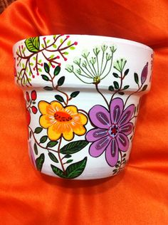 Flower Pot Art, Mosaic Flower Pots, Terracotta Flower Pots, Clay Pot Projects, Clay Pot Crafts, Diy Home Crafts, Painted Plant Pots, Painted Flower Pots, Flower Pot People