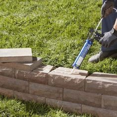 How to Properly Do a Retaining Wall... I like the look with caps :)