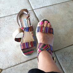 Cute summer sandals ☀ Cute colorful summer wedge worn two times like new Steve Madden Shoes Sandals