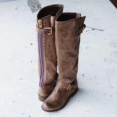 Steve Madden tall brown boots with a back zipper! #boots #tallbrownboots #stevemadden