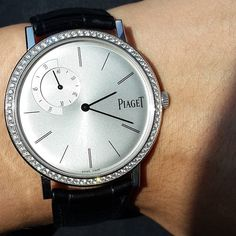 Piaget Altiplano watch in 18K white gold set with 72 diamonds. Manufacture Piaget 838P ultra-thin hand-wound mechanical movement with small seconds.