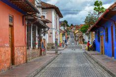 "Fotoviaje: Bogotá, Colombia. Día 2 ""Barrio de la Candelaria, ... Countries, Scenery, City, South America, Gift, Bogota Colombia, Latin America, Manga Art, Picture Walls"