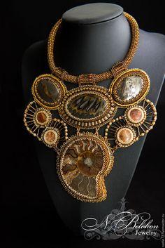 Купить Массивное колье чокер из окаменелостей - золотой, бронзовый, колье, чокер, чокер женский