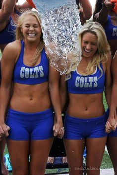 COLTS CHEERLEADERS TAKE THE A.L.S. CHALLENGE