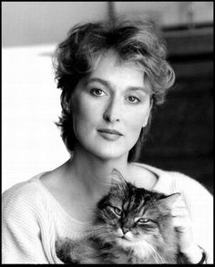 Love this shot of Meryl Streep with her cat.