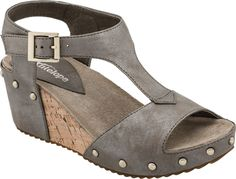 Antelope 552 T-Strap women's wedge sandals. Fab Shoes, Comfy Shoes, Cute Shoes, Comfortable Shoes, Me Too Shoes, Casual Shoes, Cute Sandals, Wedge Sandals, Wedge Shoes