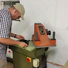 8 ton atom $1800 used @daisycutter50 helping out at the shop today on the Jr clicker press cutting out some bad ass shit #orourkeleather #handmade #usmade #leatherholster #leathergoods #exoticleather #useyourshit Leather Holster, Leather Tooling, Make Your Own Shoes, Tool Board, Serger Sewing, Leather Workshop, Leather Stamps, Machine Tools, Best Games