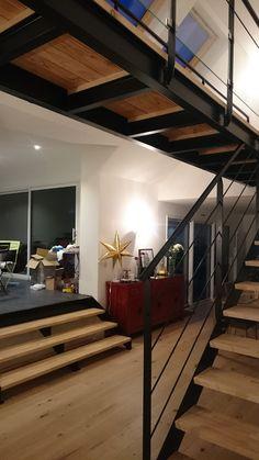 Escalier métallique contemporain - Passerelle suspendue - IPN - Art Métal Concept Quimper - http://artmetalconcept.e-monsite.com/album/passerelles-mezzanines/