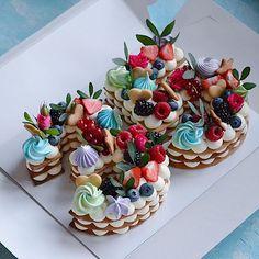 Очередная циферка 2️⃣9️⃣ Каждый торт неповторимый и только для Вас❤️ ————————————————-#тортмосква #торт #тортик #тортыназаказ… Biscuit Cake, Mini Cupcakes, Biscuits, Cake Decorating, Birthday Cake, Baking, Desserts, November, Anniversary