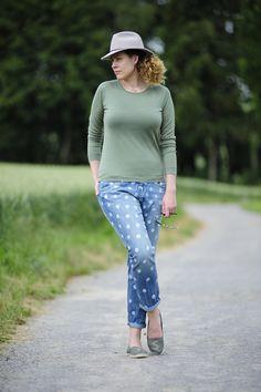 .: DIY Polkadot Jeans :. #DIY #polkadots