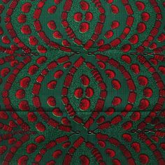 Grüne und rote afrikanische Stoff- 6 Meter von Urbanstax auf DaWanda.com