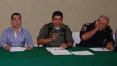 MEXICO, D.F. (apro).- Junto con el derrumbe de la versión del gobierno de Enrique Peña Nieto sobre la desaparición y exterminio a lumbre de los 43 normalistas de Ayotzinapa y el amarre de la hipóte...