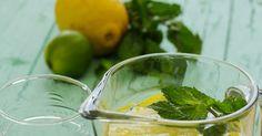 Cinco Quartos de Laranja: Água aromatizada com limão, lima e hortelã
