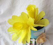 Coffee Filter Daffodils - http://www.familycorner.com/family/kids/crafts/coffee-filter-flower-daffodil.shtml