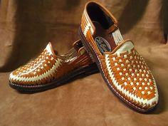 Huarache Tradicional Calzado de Cuero Confeccionado por ImmramaCo Men's Shoes, Shoe Boots, Dress Shoes, Oxfords, Loafers, Dark Skin Men, Estilo Retro, Mens Fashion Shoes, Huaraches