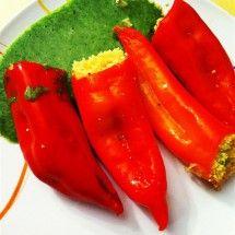 Gefüllte Spitzpaprika mit Brokkoli-Spinat-Sauce #rezept