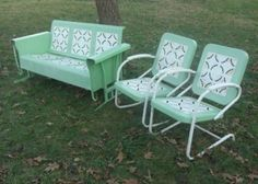 Details about Vintage Metal Porch Glider set rocking & bounce chairs antique lawn swing bench - Modern Vintage Metal Chairs, Vintage Outdoor Furniture, Metal Patio Furniture, Vintage Porch, Retro Furniture, Furniture Chairs, Vintage Metal Glider, Metal Lawn Chairs, Bedroom Vintage