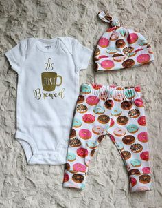 This adorable Just Brewed outfit is just what you need for those precious newborn photos, coming home from the hospital, or the perfect shower gift for a new mom! Leggings, Hat, and Onsie have been pr Cute Baby Girl, Cute Babies, Baby Kids, Baby Boy, Baby Girl Fashion, Kids Fashion, Baby Girl Leggings, Everything Baby, Cute Baby Clothes