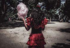 Street photography. Fotografía callejera. Flamenca. Madrid. Cotton Candy #bambibacks