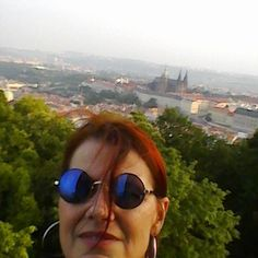 Johana Hájková (@johanahajkova) • Fotky a videa na Instagramu Round Sunglasses, Snapchat, Photo And Video, Instagram, Fashion, Moda, Round Frame Sunglasses, Fashion Styles, Fashion Illustrations