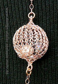 necklace with wire crochet BUBBLE Kette rosé von smdesignatelier